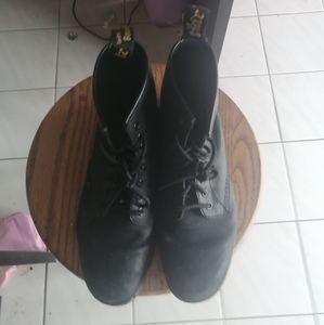 Size 9 doc martens